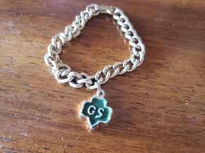 GS charm bracelet/1 charms 1950-?.  Gold plate.