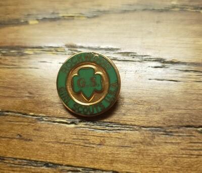 Rockwood National Camp Pin small version 1--.75 in diameter)