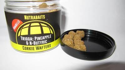 Бойлы нейтральной плавучести Corkie Wafters Dumbells Pineapple&Butyric