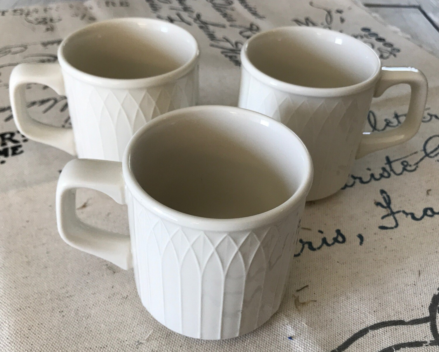 Homer Laughlin Gothic USA Mugs