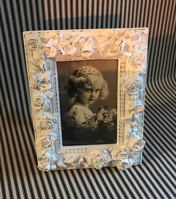 "Cynthia Rowley White Floral 4""x6"" Frame"