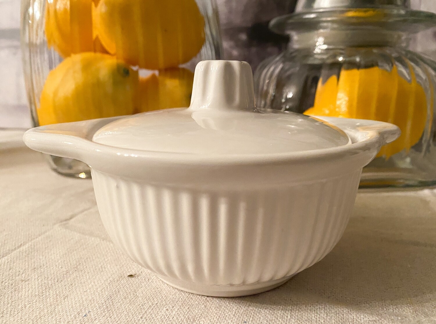 California Pottery USA 857 White Soup Bowl with Vented Lid