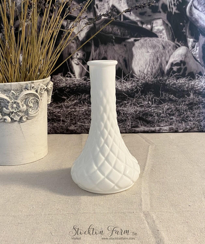 Vintage Milk Glass Bud Vase #4062 Quilt Pattern