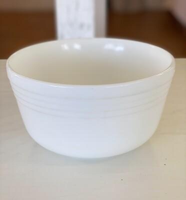 Vintage Hamilton Beach Pyrex Milk Glass Mixing Bowl