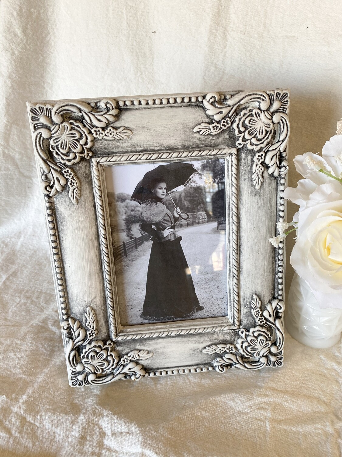 Antiqued White 5x7 Frame