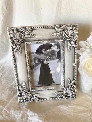 Antiqued White 5x7 Frame