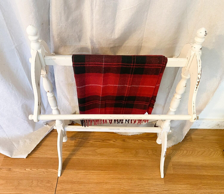 Farmhouse Inspired Quilt Rack