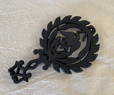 Cast Iron Trivet - Eagle in Wreath