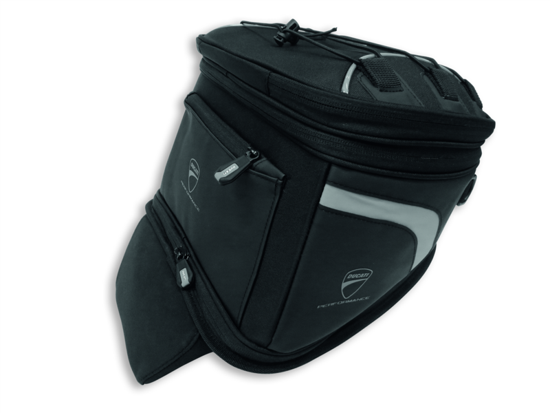 Soft bag in technical fabric.