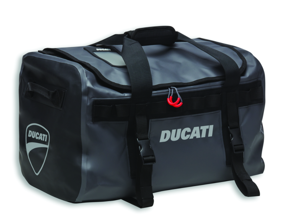 REAR BAG FOR PASSENGER SEAT OR LUGGAGE RACK.