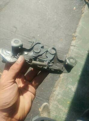 r32 Gts Hood latch support (used - missing spring)