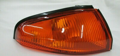 GENUINE NISSAN SKYLINE R32 GTR FRONT RIGHT(DRIVER) TURN SIGNAL LAMP 26124-05U00 Free shipping