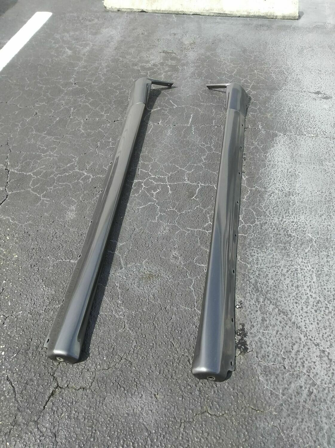 R32 GTR OEM side skirts USED
