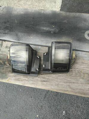 R32 reverse light assy pair