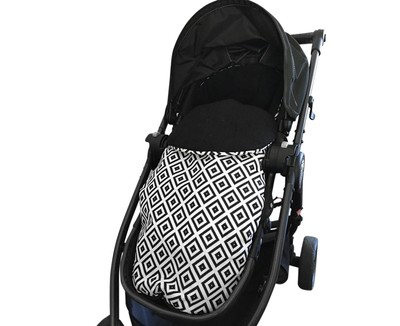 Footmuff Pram Liner - Black & White