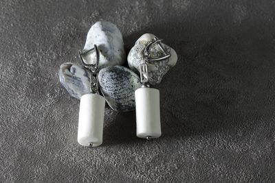 Серьги из белого фарфора, цилиндры. Английская швенза.  White porcelain earrings, cylinders. English fixture (ear wire).