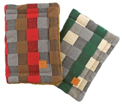 Self Heating Pet Mat for Small Dog or Cat Quilted Fluffy Cozy