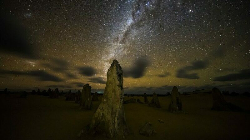 1 Day Pinnacles Desert Sunset and Night-time Stargazing Tour