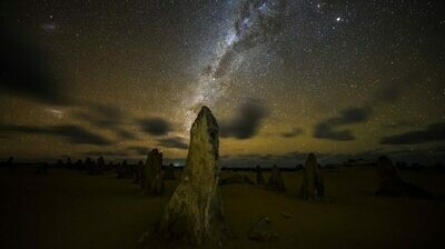 1 Day Pinnacles Desert Sunset and Night-time Stargazing Tour