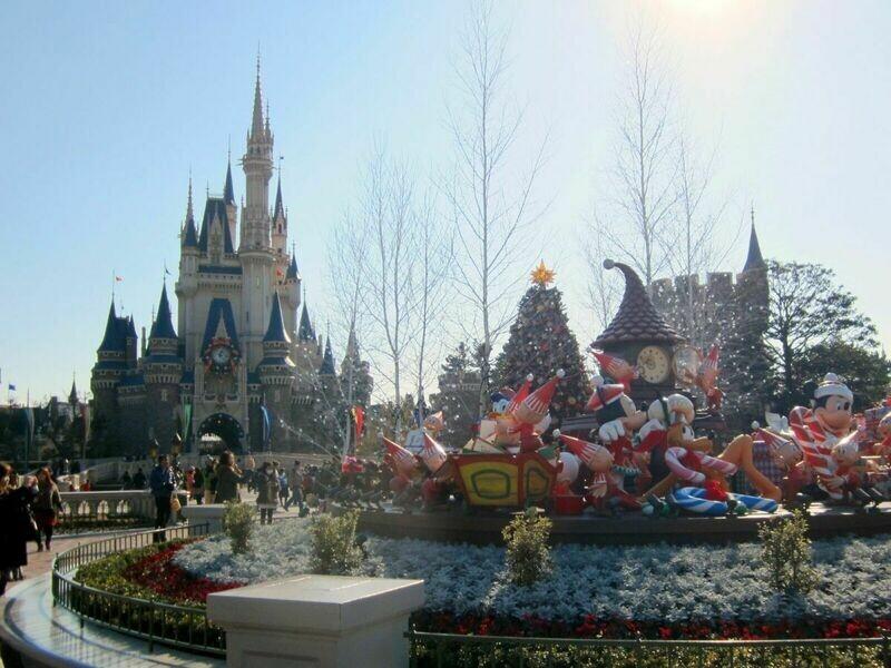 7D Japan Theme Park Fun - Tokyo Disneyland/ Disney sea & Osaka Universal Studio I Twin City I In HND Out KIX