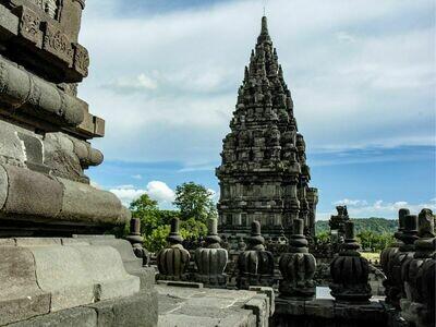 1D Jogja City Tour - Borobudur / Prambanan / Parangtritis Beach