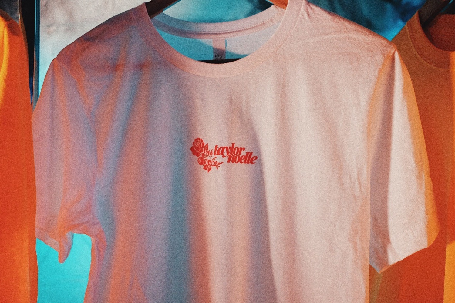taylor noelle red rose white tee
