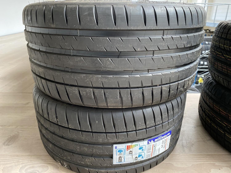 Michelin PilotSport4S 265/30 ZR20 6UNR-005X (4916) 2stk 6mm