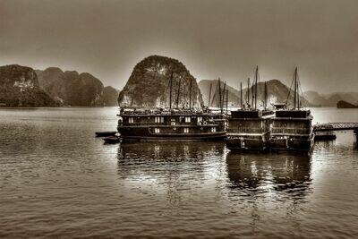 HALONG BAY (VIETNAM) 02