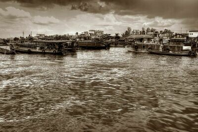 FLOATING MARKET MEKONG DELTA (VIETNAM) 05