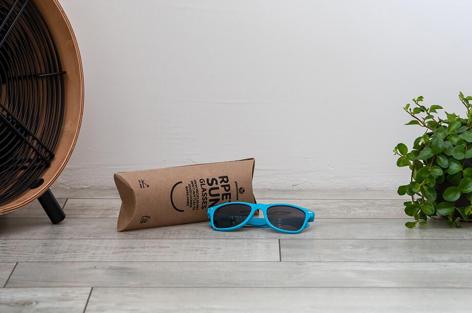 Sonnenbrille aus recyceltem Plastik
