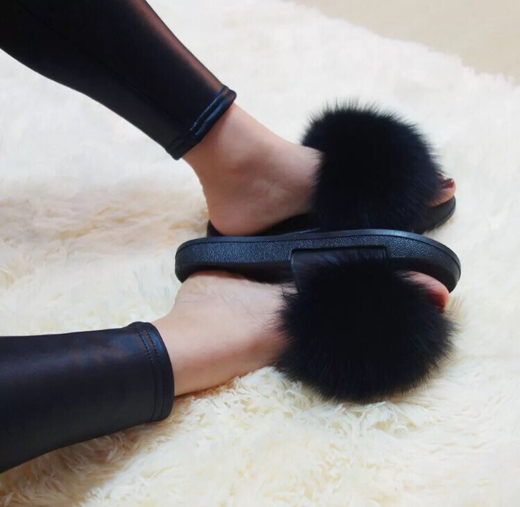Royale Oh So Fabulous High Quality Fuzzy Fur Slides