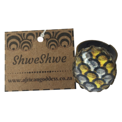 Oval 18 x 25mm Ring - Yellow & Brown ShweShwe