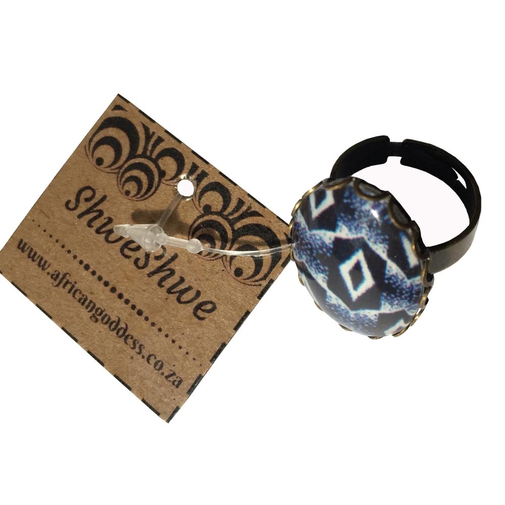 Oval 18 x 25mm Ring - Blue ShweShwe