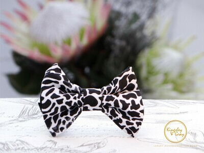 SABI SANDS DOG BOW TIE