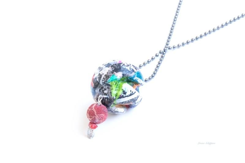Ball chain confetti