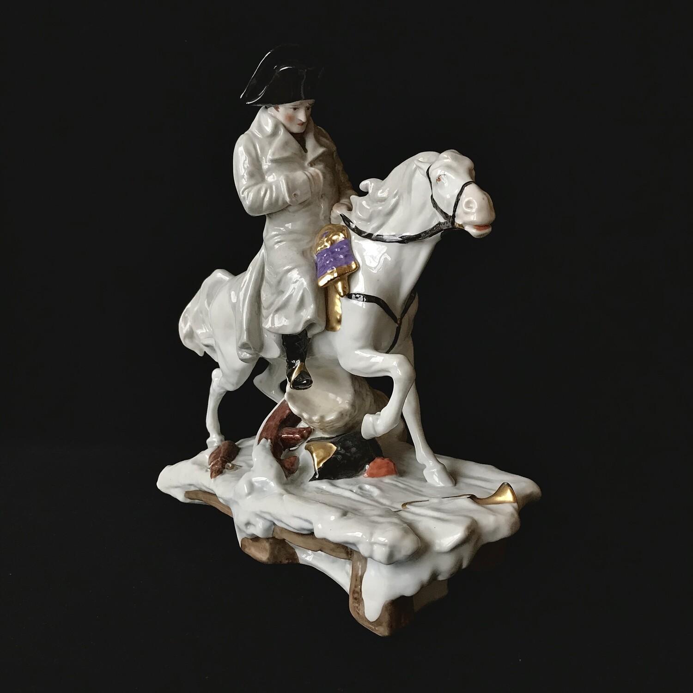 "Фарфоровая статуэтка ""Наполеон на Березине"", Scheibe-Alsbach"
