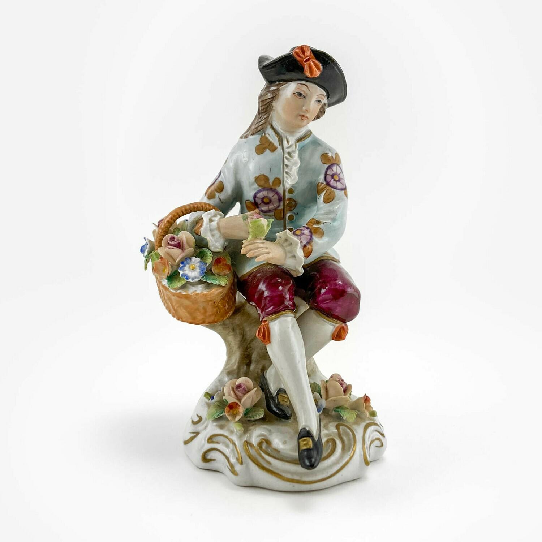 "Фарфоровая статуэтка ""Флорист"", Sitzendorf"