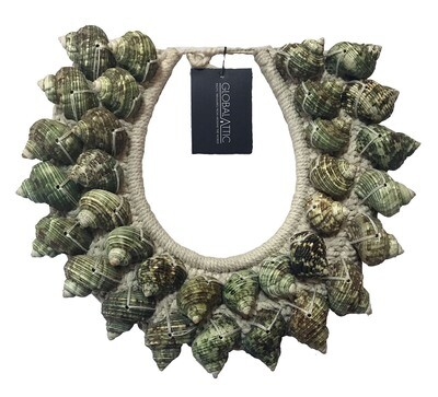 Green Shell Necklace Decor