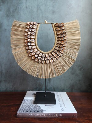 Natural Grass & Cowrie Shell Necklace Decor