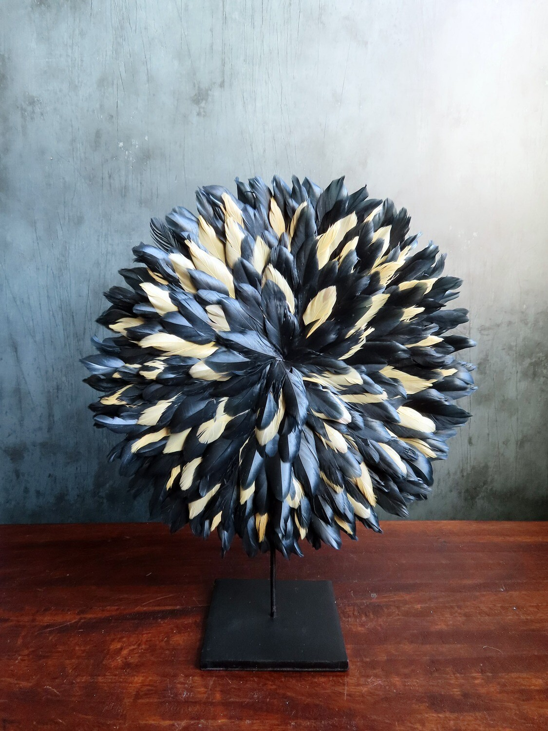 Black and Gold Table Decor