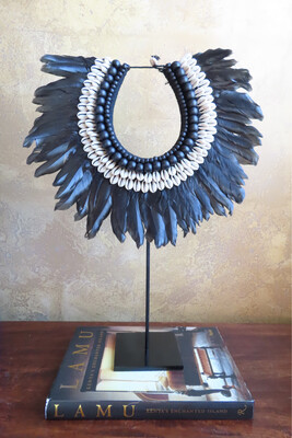 Black Beaded/Shell Necklace Decor