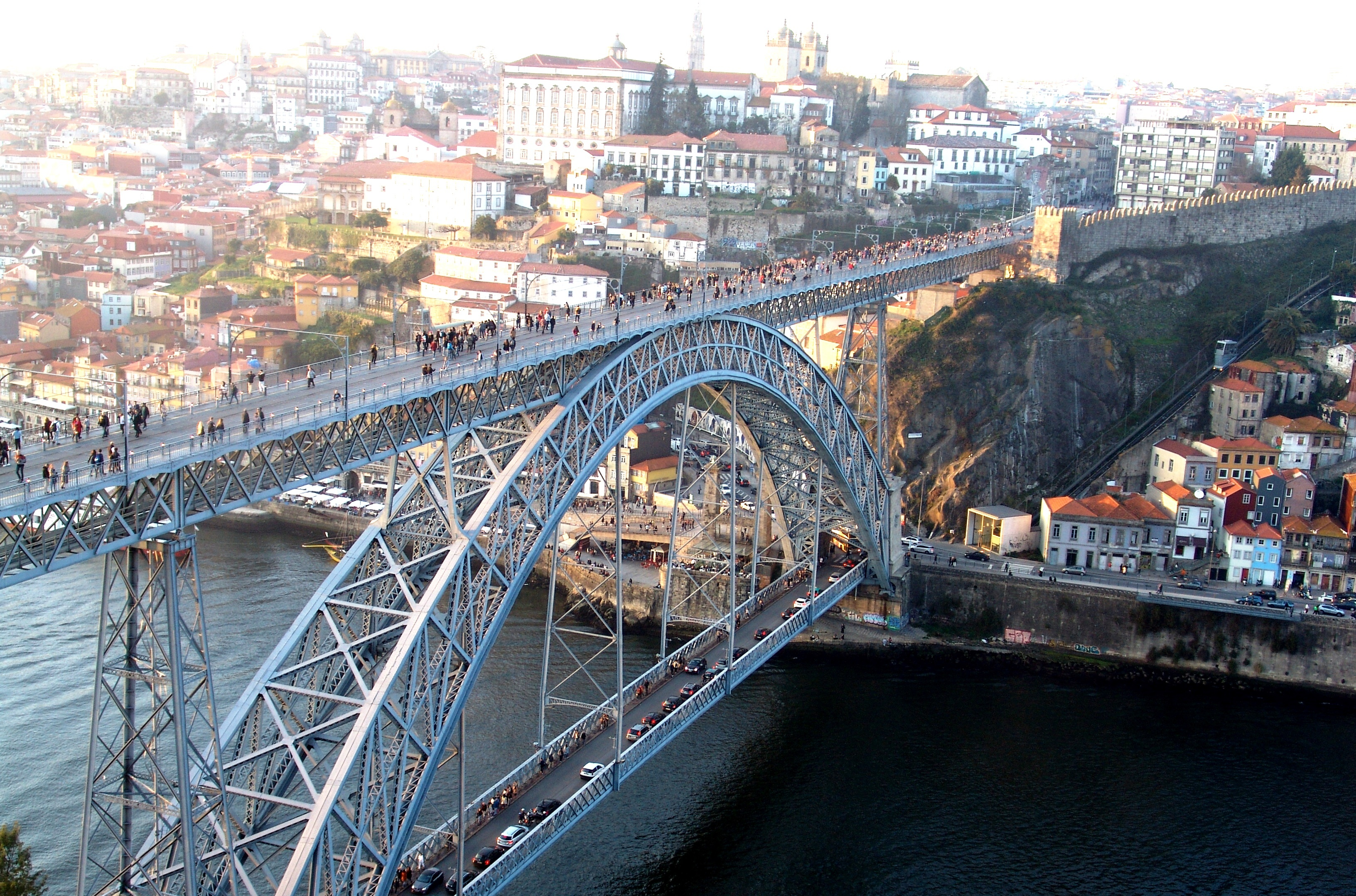 PORTO CITY TOUR  FOR 4 PAX 00002