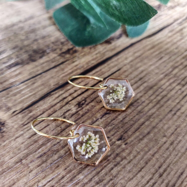 BLOSSOMS: oorbellen goud hex kort klein