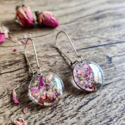 Pressed roses: oorbellen brons