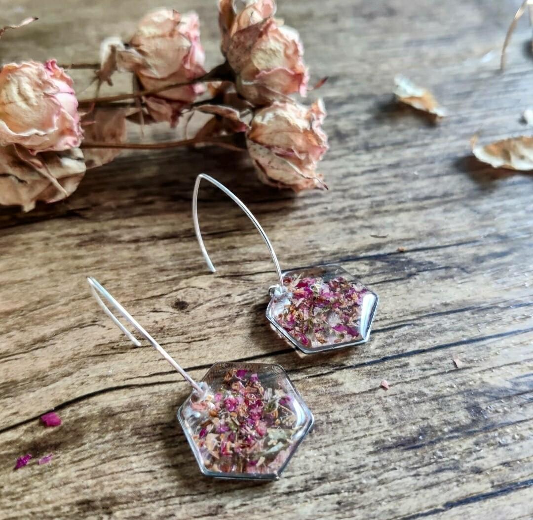 Pressed roses: oorbellen zilver hex groot lang