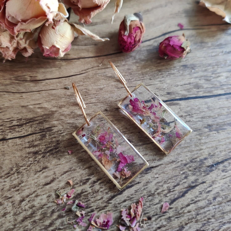 Pressed roses: oorbellen goud rechthoek