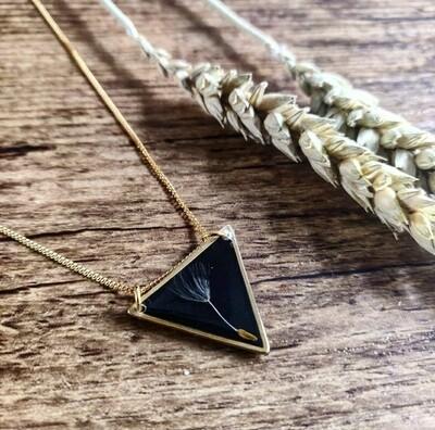 DANDELION: ketting driehoek goud