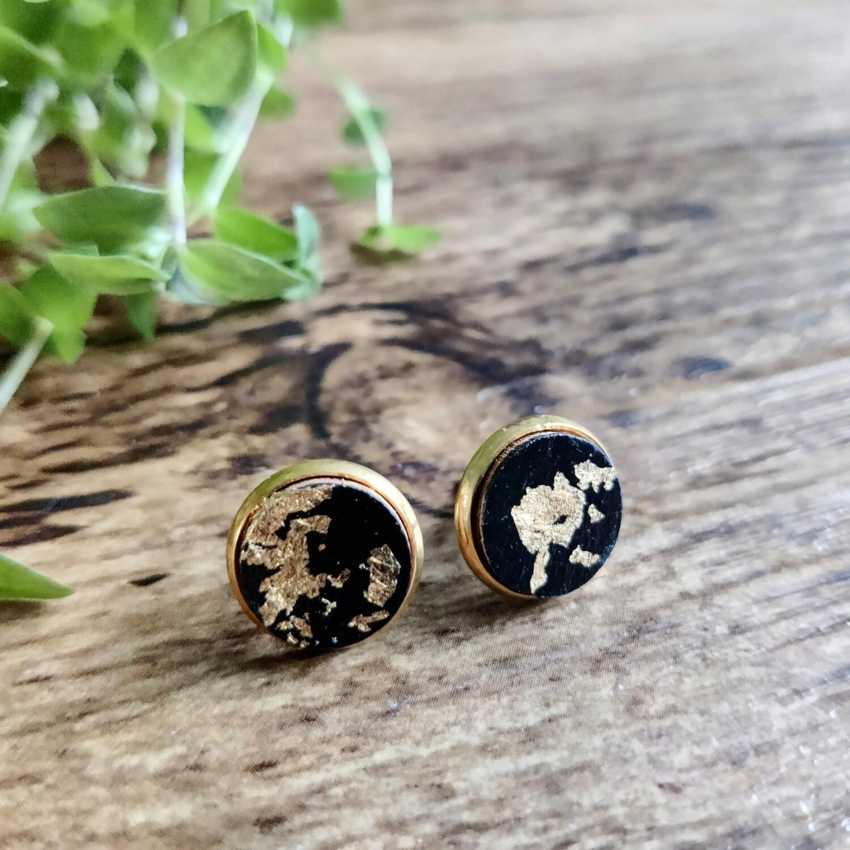 Black & gold: earstuds