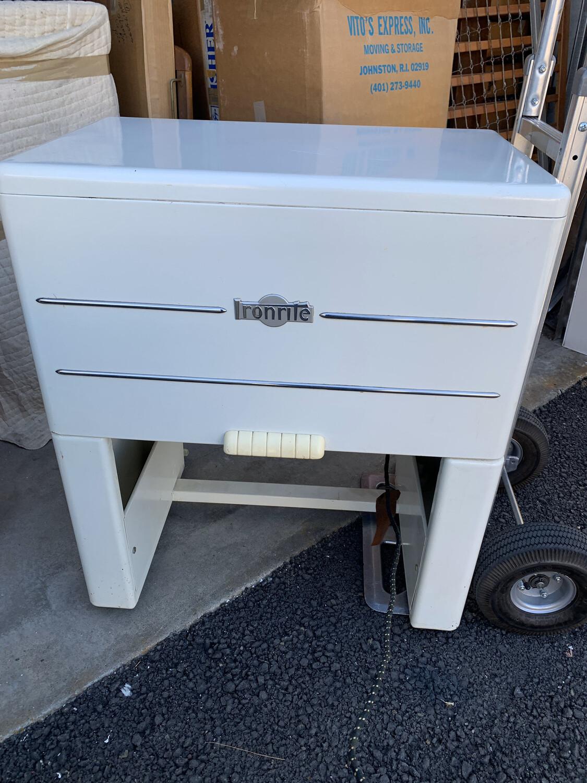 Vintage Ironrite Model 85