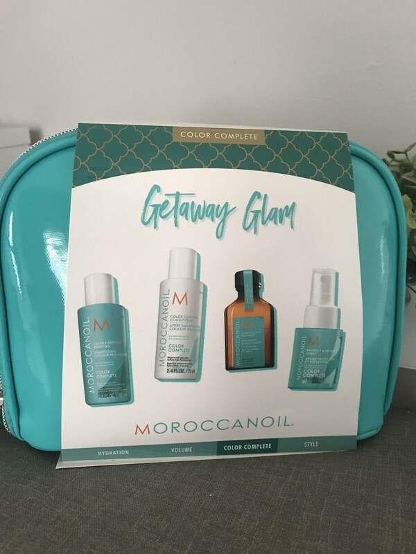 Moroccanoil Getaway Glam bag